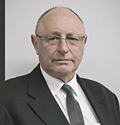 Head and shoulders picture of Geoff Jones